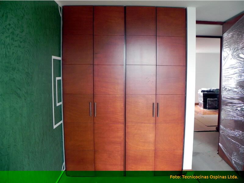 Fabricamos closets en madera de dise o vanguardista for Disenos de puertas de madera para closets