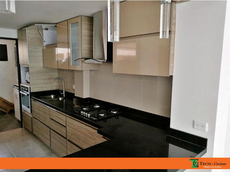 Cocinas integrales realizadas en f rmica con dise o moderno for Modelos de marmol y granito