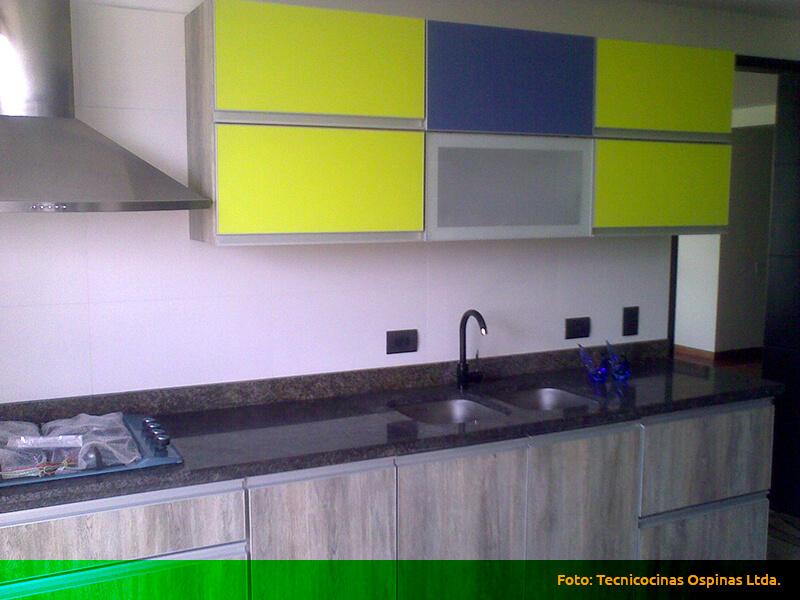 Pin cocinas integrales con cubierta granito monterrey for Cocinas integrales en aluminio