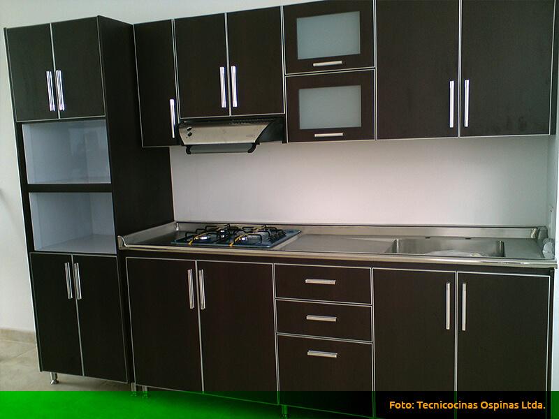 Cocinas integrales realizadas en fórmica con diseño moderno.