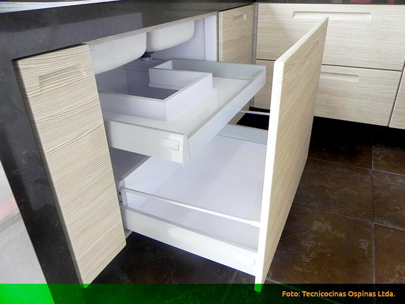 Cajones en madera y f rmica con diversas configuraciones for Cajones para muebles de cocina