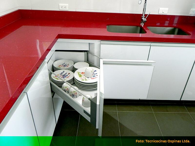 Esquinas m gicas espacios optimizados con gran dise o - Cocinas en esquina ...