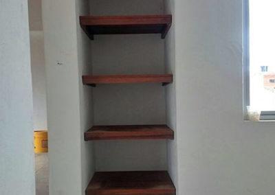 Entrepaños decorativos en madecor tono madera