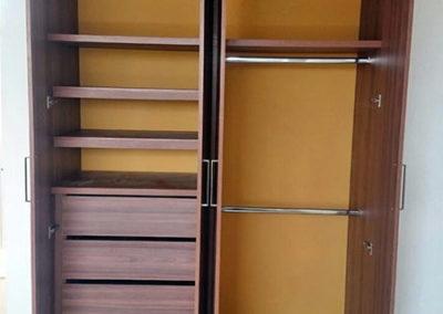Closet en madecor - vista interna