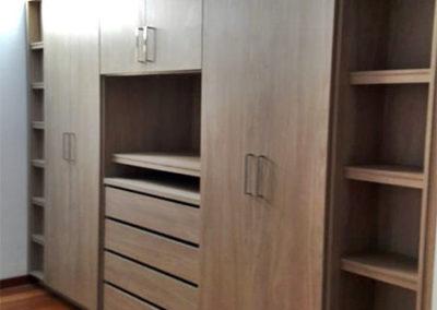 Closet en madecor con diseño personalizado