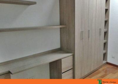 Closet con escritorio elaborado en madecor