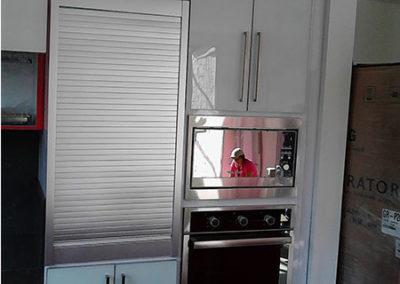 Torre de hornos con cantos en aluminio