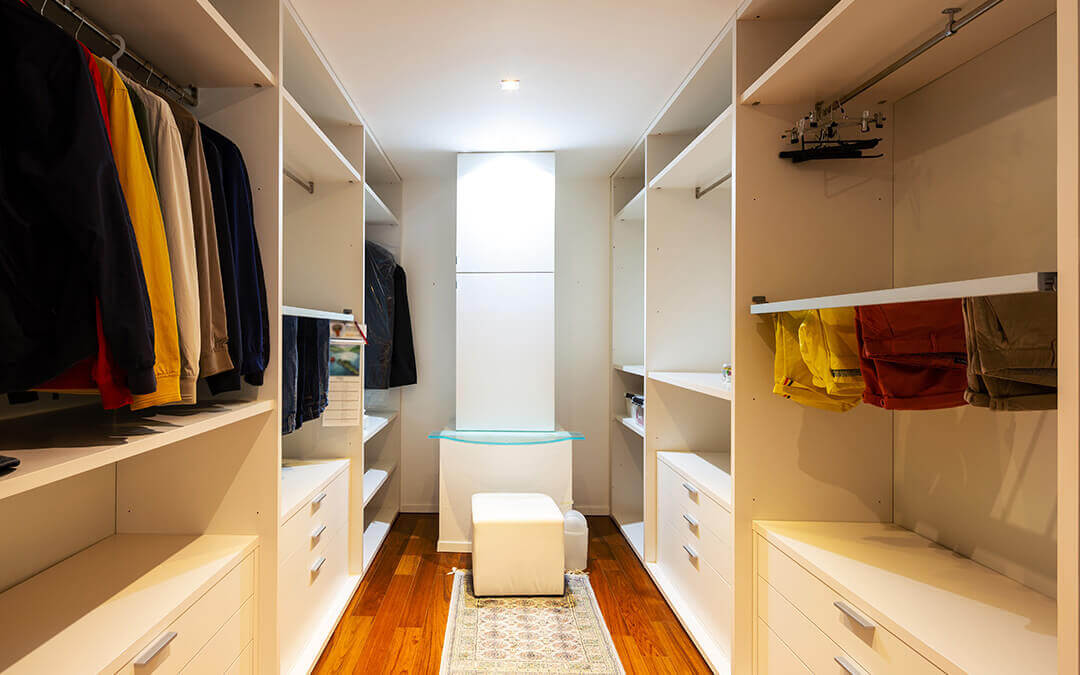 Walk in closets: ¿cómo aprovechar aún más su espacio?