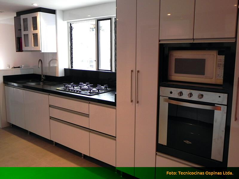Cocinas integrales terminadas en pintura poliuretano for Cocinas integrales en aluminio