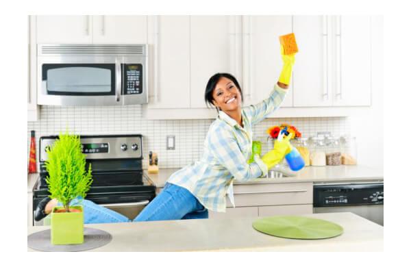 C mo tener la cocina limpia y brillante tecni cocinas - Como limpiar muebles de madera de cocina ...