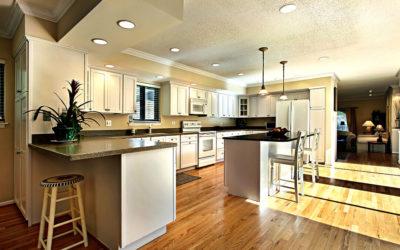 Consejos para un mejor diseño de iluminación en tu cocina integral